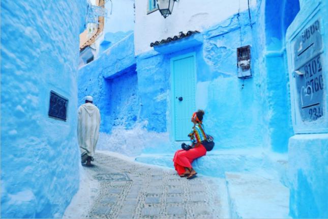 【海外でも使えるドライヤーは?】世界一周経験者に聞く、女子旅にマストの持ち物8選