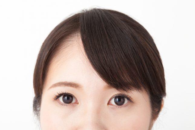 【うねうね・ぱっくり・流れない】プロに聞く、前髪のクセの原因と対策