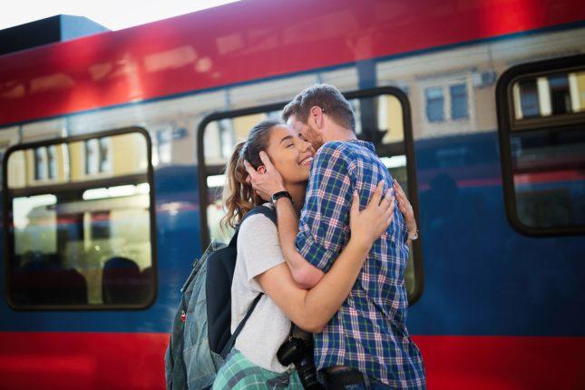 遠距離恋愛の経験がある男性72人に聞く。まだ続いてる?コツは?長続きのために大切にするべきこと