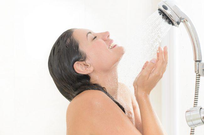 【時短美容】簡単に血行を促進するシャワーマッサージのコツや入浴法をプロに聞いてみた